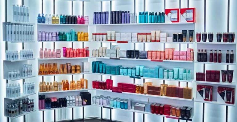 Beauty Products: Custom Formula vs. Private Label